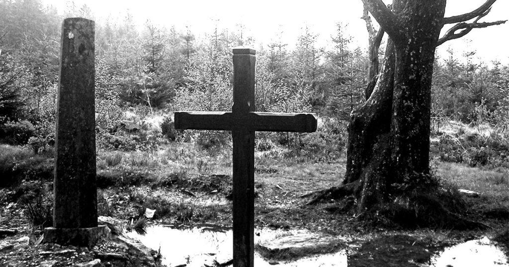 La Croix des Fiancés : l'histoire tragique d'un jeune couple perdu dans les Fagnes